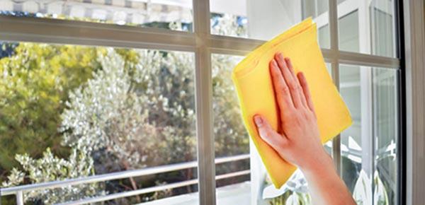 Các vật dụng cần thiết để vệ sinh cửa nhựa lõi thép