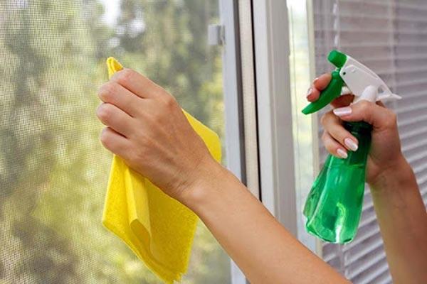 Hướng dẫn vệ sinh cửa nhựa lõi thép